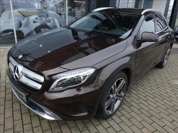 Mercedes-Benz GLA 220 d 4MATIC Urban
