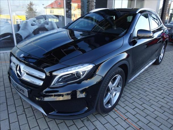 Mercedes-Benz GLA 200 d 4MATIC AMG