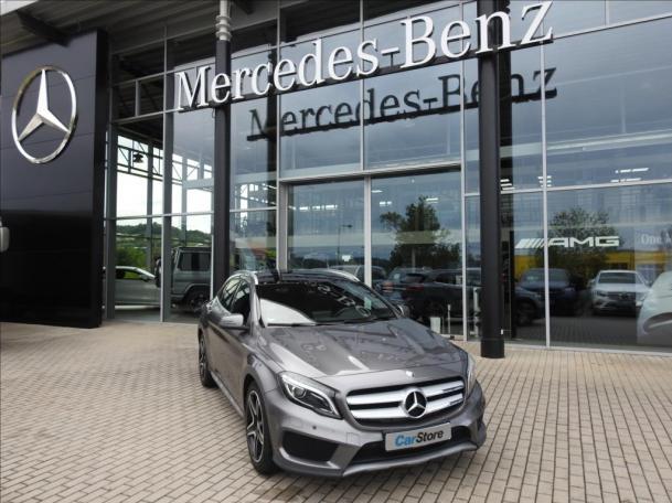 Mercedes-Benz GLA 220 d *Panorama