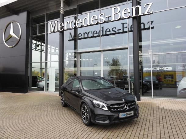 Mercedes-Benz GLA 200 D 4 MATIC AMG