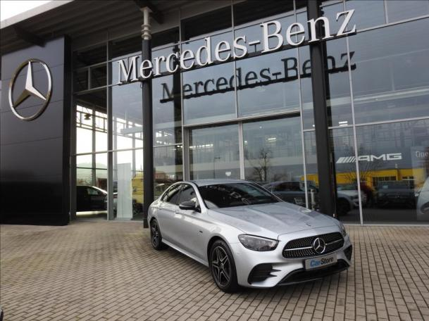 Mercedes-Benz E 300 de 4M AMG