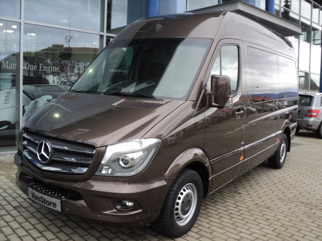 Mercedes benz sprinter 319 cdi vip special s w for Mercedes benz cool springs
